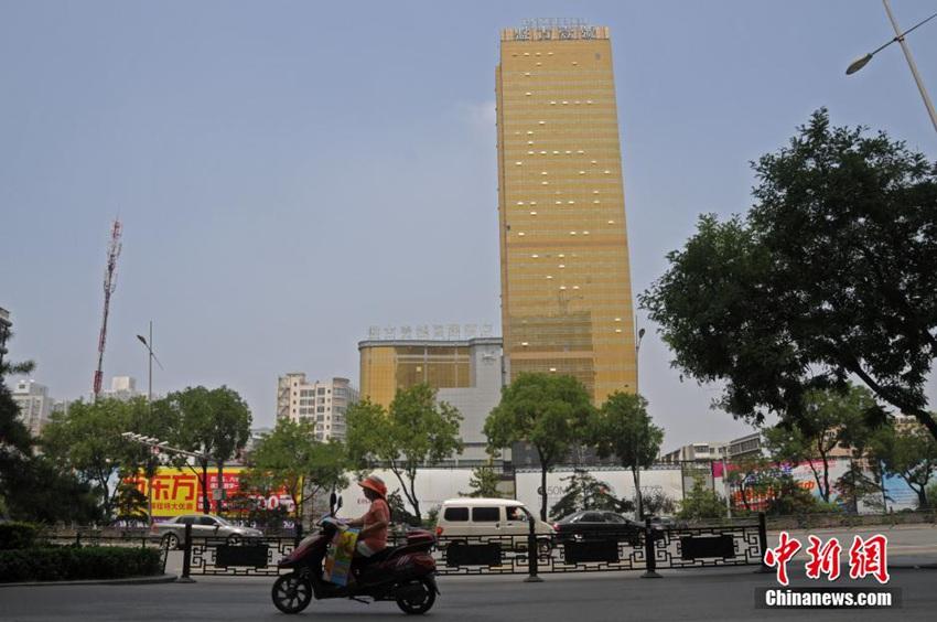 太原土豪金酒店红极一时 突然停业原因诡异
