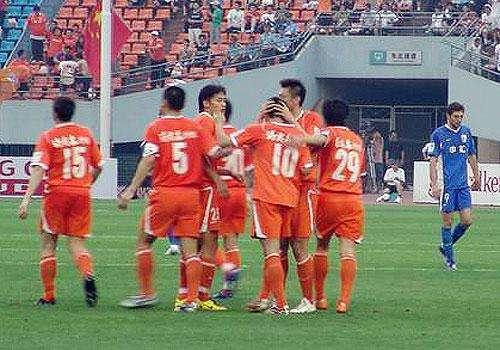 【如雁观球】中超联赛第12轮:山东鲁能―上海上港