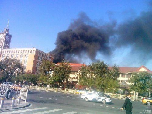 西单着火地点是工信部在建大楼